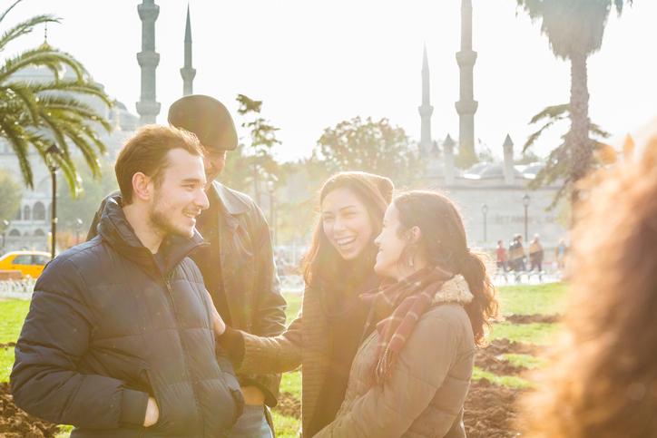Gruppe von Freunden in Istanbul