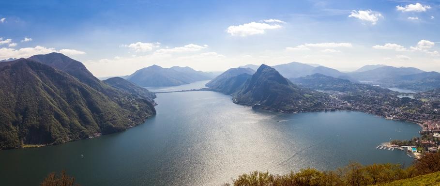 Panoramablick auf den Luganer See