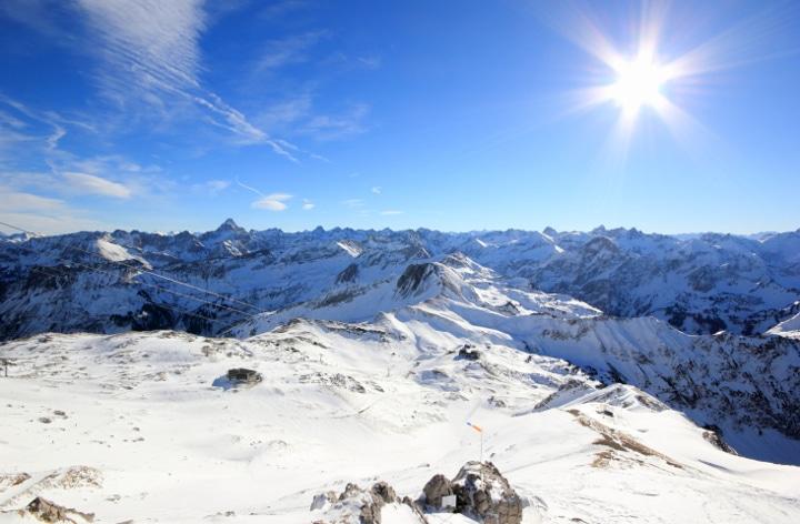 Die Bayerischen Alpen und das Allgäu sind ein Mekka für Freunde des alpinen Skisports.