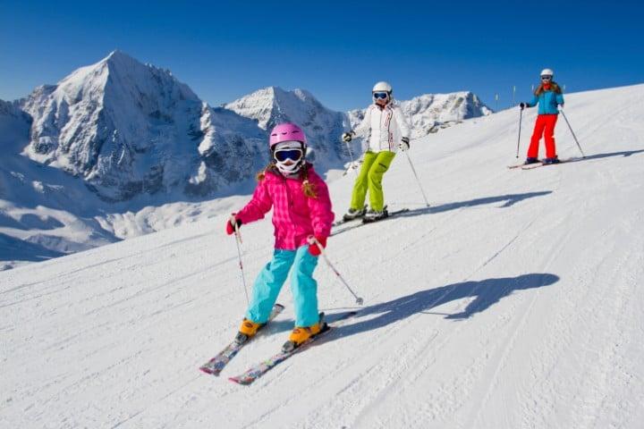 Das Skigebiet Les Sybelles rund um La Toussuire und Le Corbier glänzt mit 310 Pistenkilometern und moderaten Skipass-Preisen.
