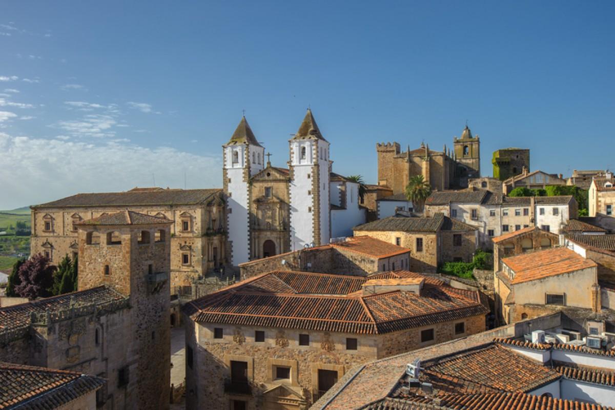 In der zum UNESCO-Welterbe gehörenden Altstadt von Caceras ist mittelalterliches Ambiente garantiert.